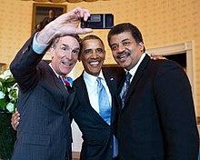Bill_Nye,_Barack_Obama_and_Neil_deGrasse_Tyson_selfie_2014